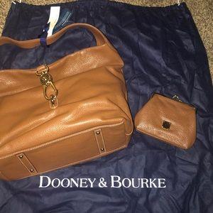NWT Dooney & Bourke Pebble Leather Logo Lock Hobo